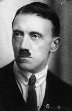 Adolf Hıtler
