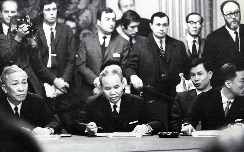 Hanoidelegates1969g paris peace talks platinumwayz