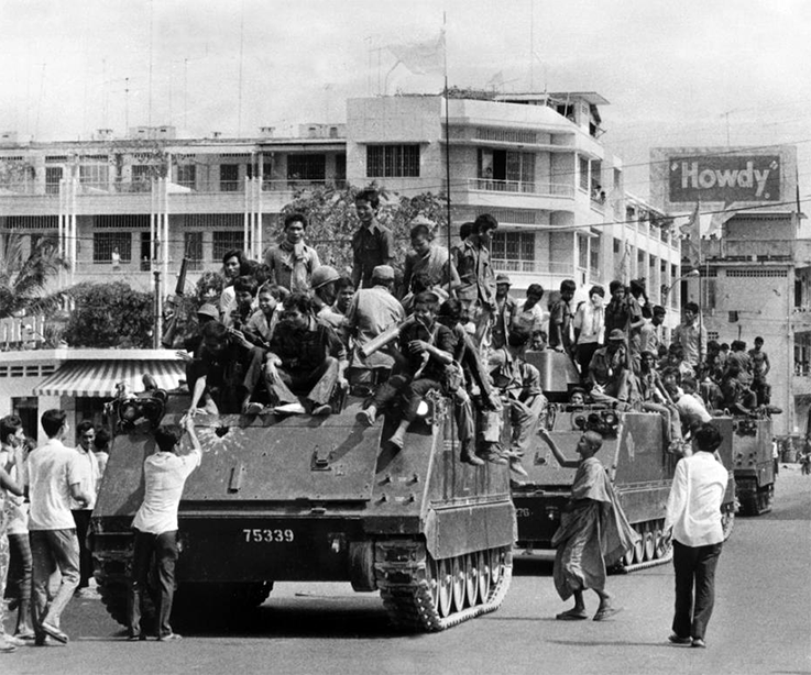 the khmer rouge The khmer rouge was the ruling political party of cambodia—which it renamed the democratic kampuchea—from 1975 to 1979 the term khmer rouge, meaning red khmer.